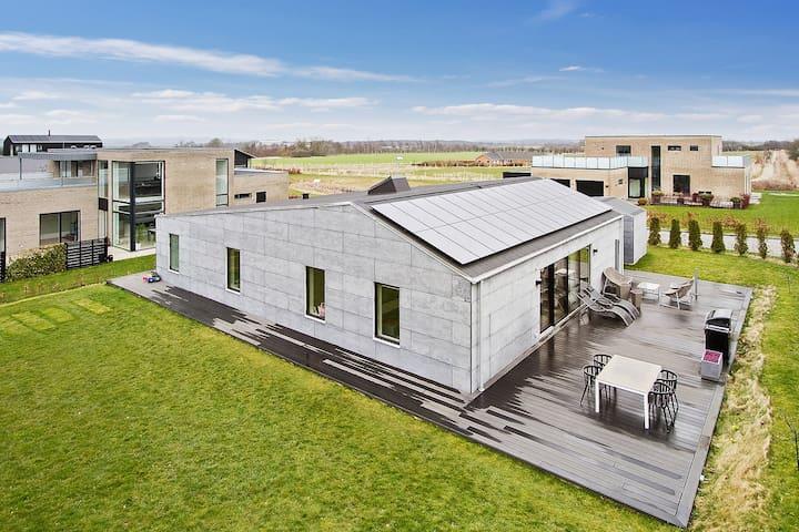 197 kvm nybygget hus, med plads til den store fam. - Mårslet - Huis