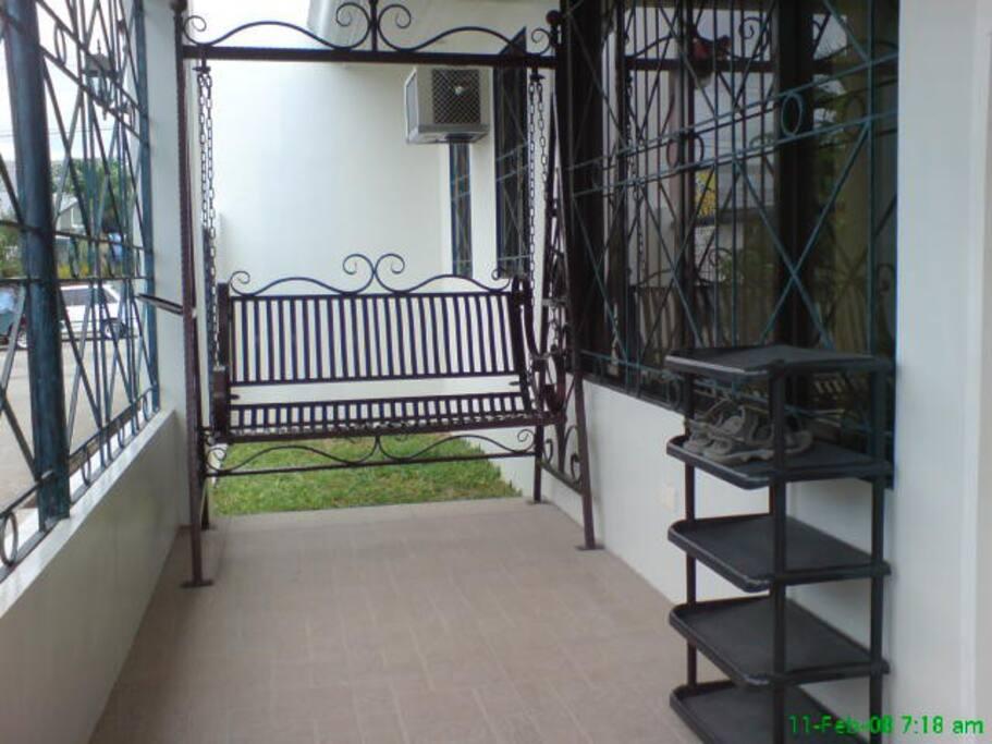 Cozy bungalow for rent davao case in affitto a davao for Case bungalow progettano immagini filippine
