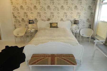 2 x Large Boutique Bedrooms in Whitstable - Whitstable