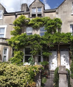 The Art Studio - stylish city accommodation - Bath - Daire
