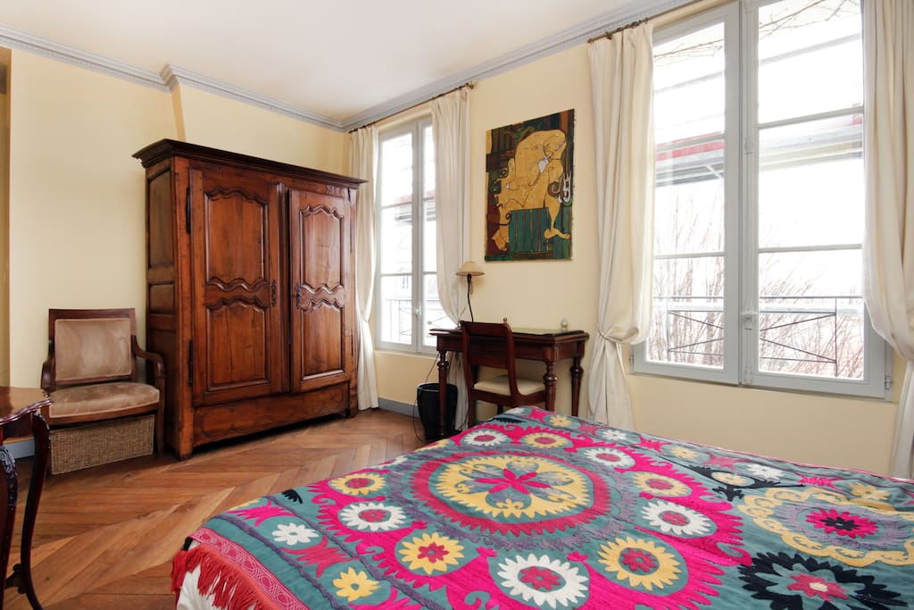 Chambre avec vue sur montmartre apartments for rent in paris for Chambre avec vue film streaming
