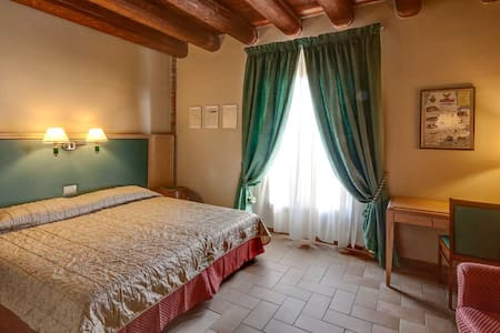 Hotel Residence Diamantina - Ferrara - Bed & Breakfast