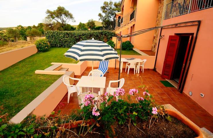 Sardegna, San Teodoro,  casa mare - San Teodoro - Apartamento