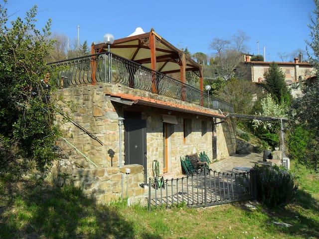 Monolocale Sulle Colline Fiorentine - San Donato Fronzano - 獨棟