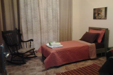Beautifully furnished room -Ramalla - Down town - Ramallah