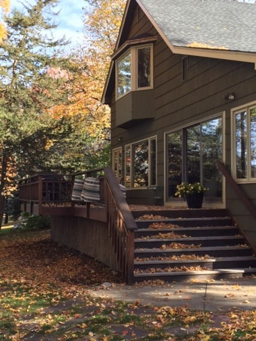 Deck that empties into yard