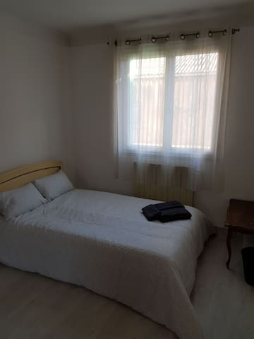 Spacious and clean room close to the city center