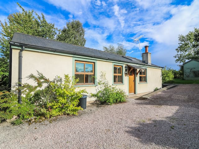 SUNNY HILL, pet friendly in Great Strickland, Ref 986584