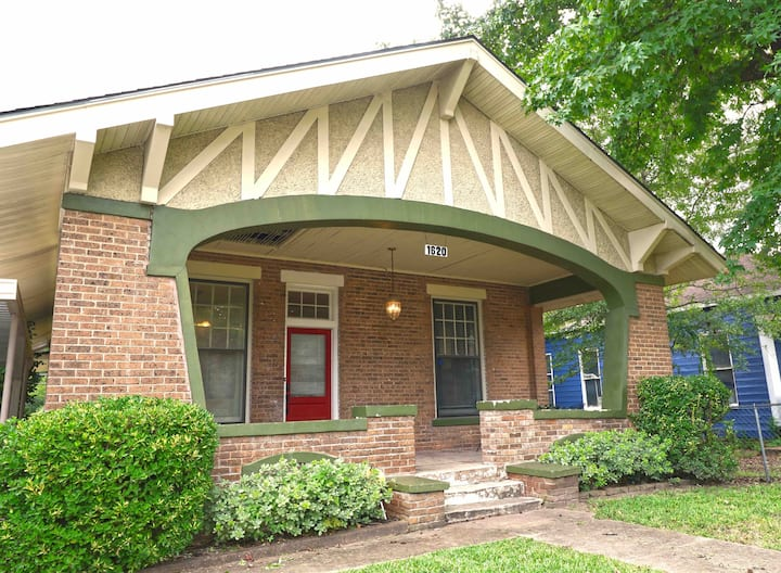 Historic Craftsman's Bungalow
