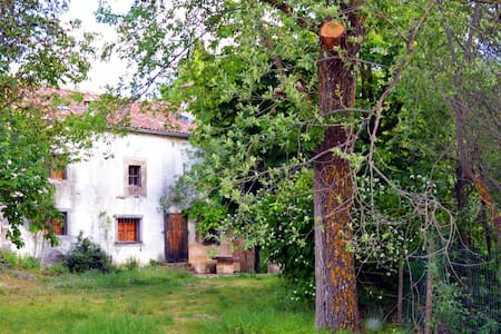 Great Medieval  Water Mill, one hor from Madrid - Ventosilla