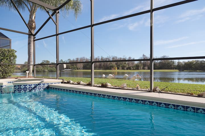MAGIC LAKE VIEW VILLA 5* HEATED POOL & SPA DISNEY