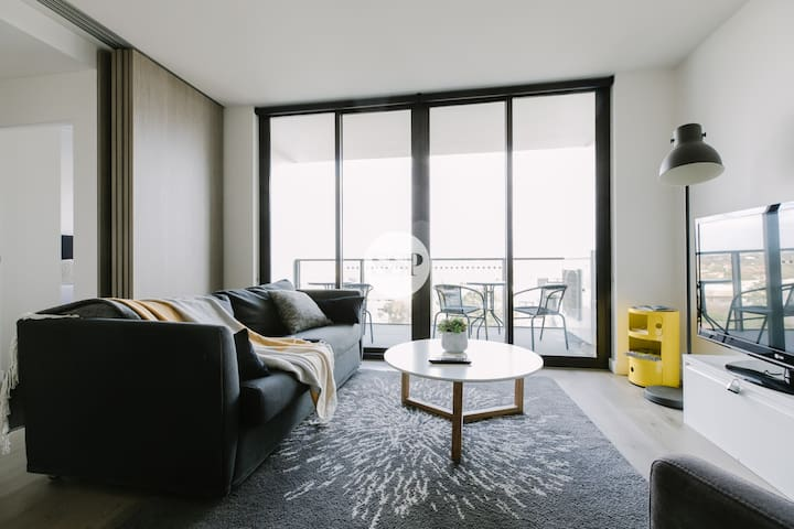 Elegant 2BDR apartment near by Westfield
