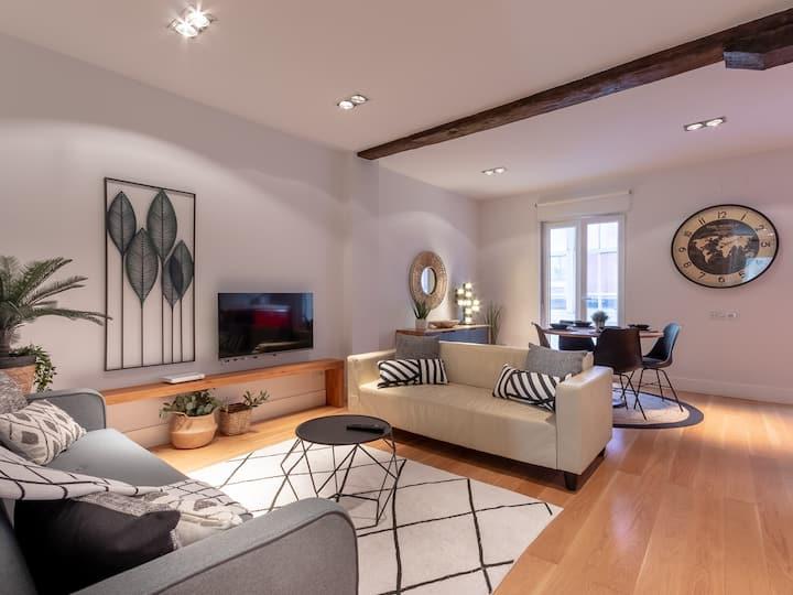 CITY HALL VI apartment by Aston Rentals