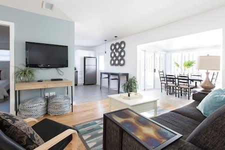 Spacious, 3rooms, beach: 0.2mile, F.Lauderdale