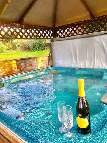 Bubbly in the hot-tub ?