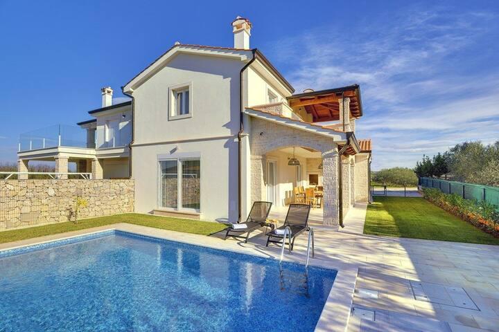 House Villa Maria Andrea (73996-K1)