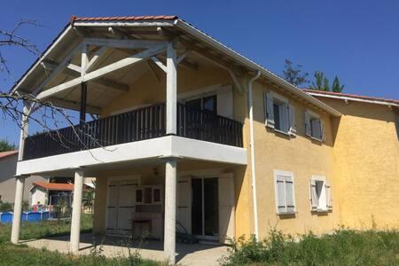 Reventin-Vaugris : villa proche LYON a VIENNE