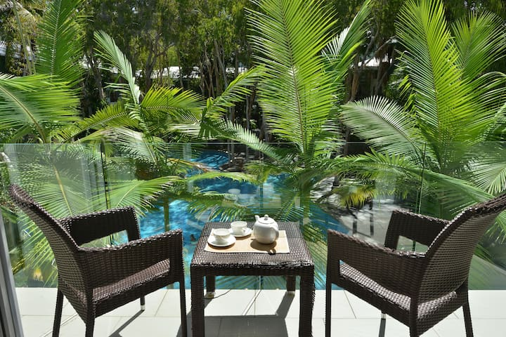 Drift Beachfront Condo-maximums - 2 Bedroom - Palm Cove - Daire
