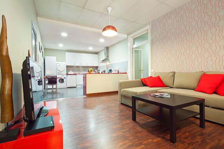 Executive Cataluña 4,   5 bedrooms , WIFI, AC
