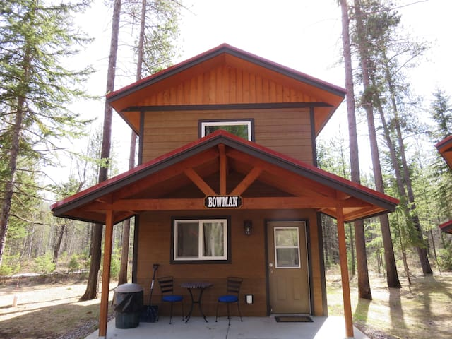 Bowman Lofted Cabin @ The Historic Tamarack Lodge
