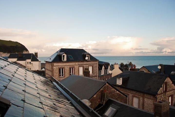 MAISON DE PÊCHEUR AVEC VUE SUR MER  - Yport - House
