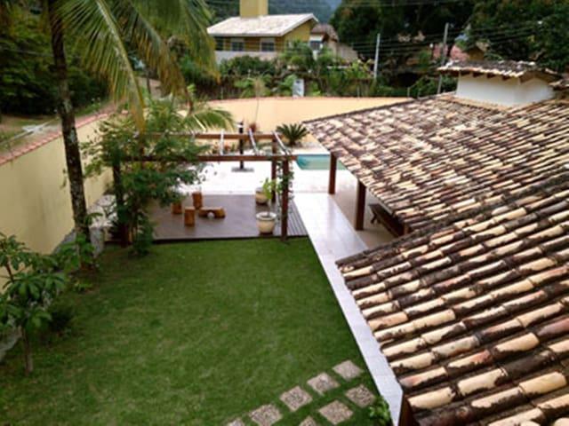 Linda casa em pa ba com piscina 50 m da praia casas for Piscina 50 m