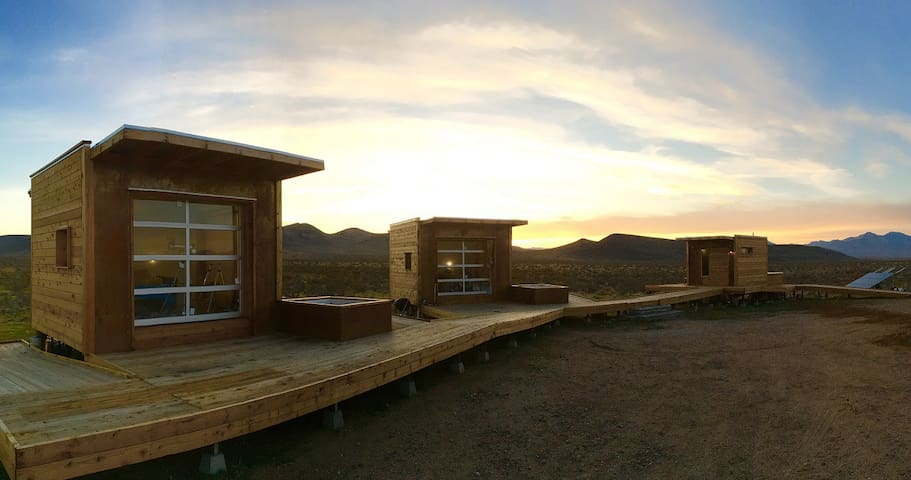 Secluded Mojave Desert Eco-Pods - Ridgecrest