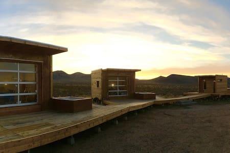 Secluded Mojave Desert Eco-Pods - Ridgecrest