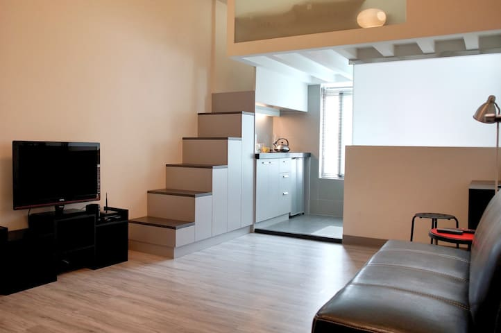 Modern Loft in Taipei Dazhi area - Zhongshan district