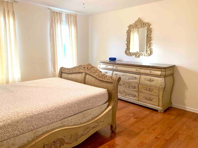 Private room with attached Walk-in Closet, dresser and mirror. Linens, pillows and extra comforters will be included