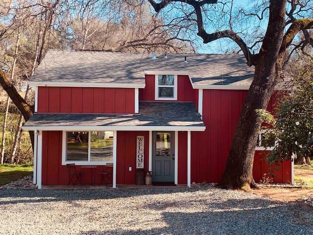 Hidden Falls Farmhouse