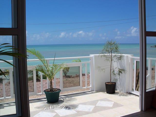 Villa sur mer, avec vue panoramique.