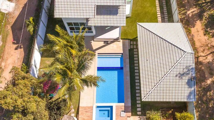 Maravilhosa casa 4qts/2stes piscina
