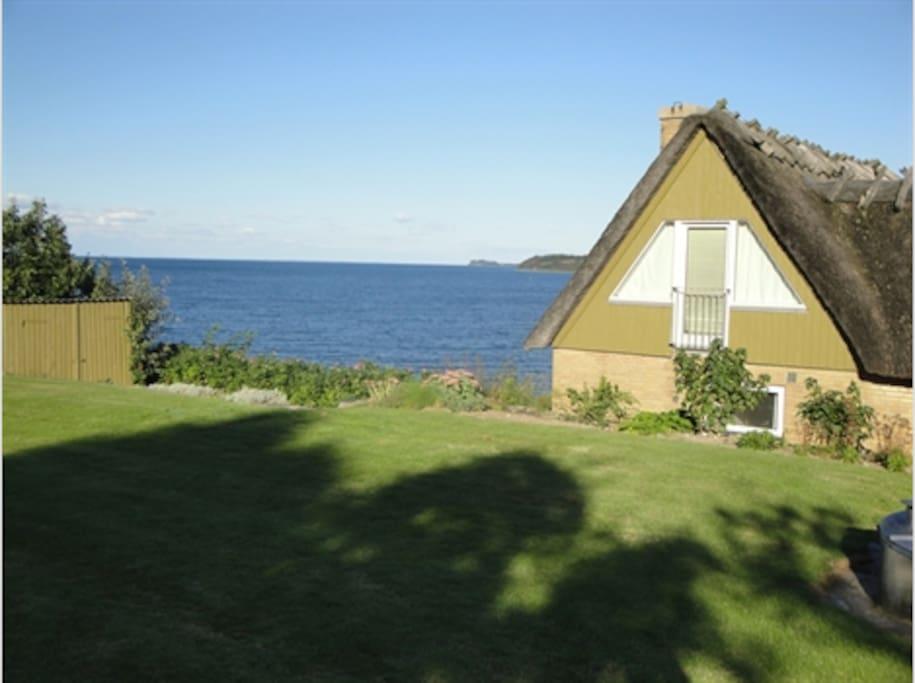 Wonderful Cabin with a Private Beach