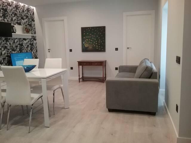 Preciosa Casa Nueva a Estrenar en el Centro Urbano - Fermoselle - Hus