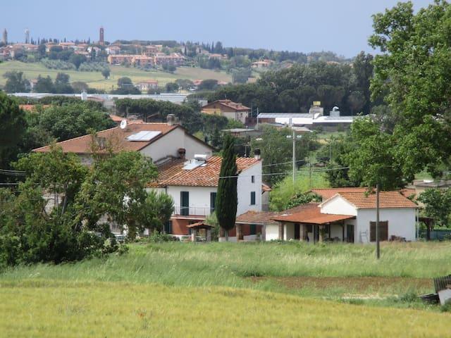 Fijn familiehuis midden tussen de Italianen - Macchie - Casa de campo