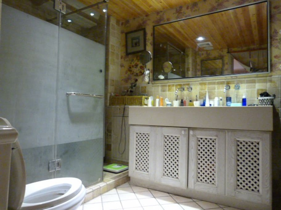 private bath in first floor