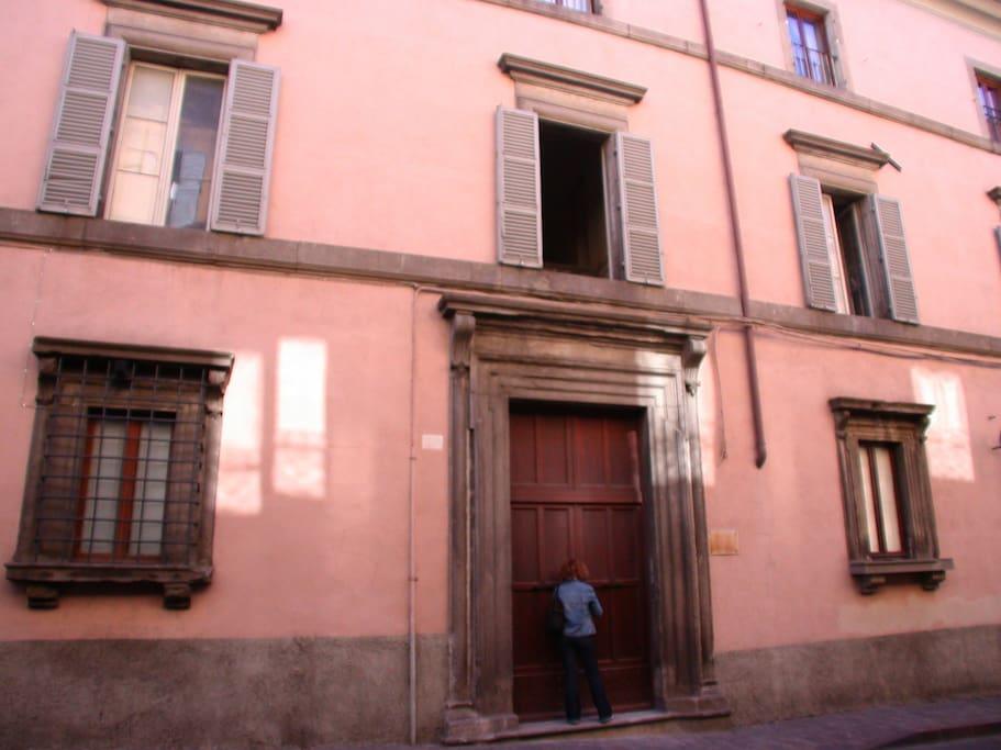 Facciata del palazzo d'epoca