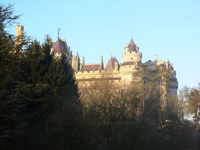 Suite, seen on castle Pierrefonds - Pierrefonds