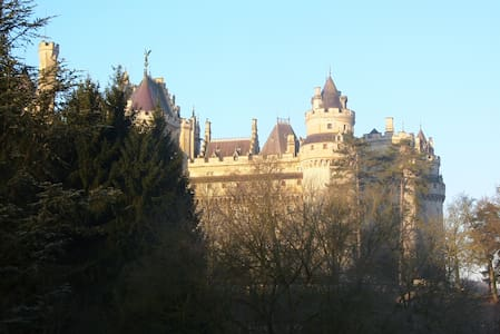 Suite, seen on castle Pierrefonds - Pierrefonds - 独立屋
