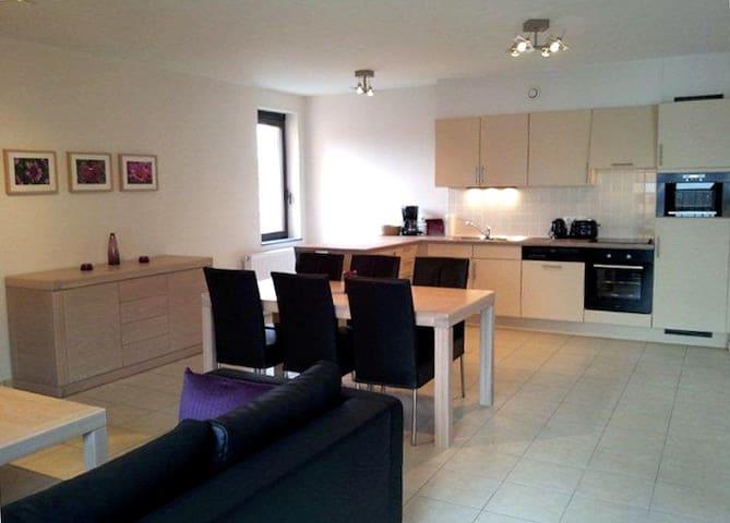 "Leuven ""Oude Markt"" New 2 Bedroom - Flemish Brabant - Apartamento"