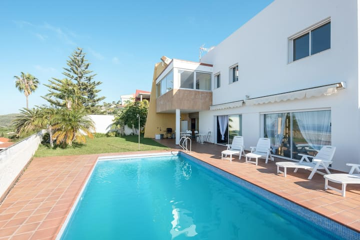 Villa Puntillo del Sol Deluxe with Mountain View, Wi-Fi, Pool, Garden & Terraces; Parking Available