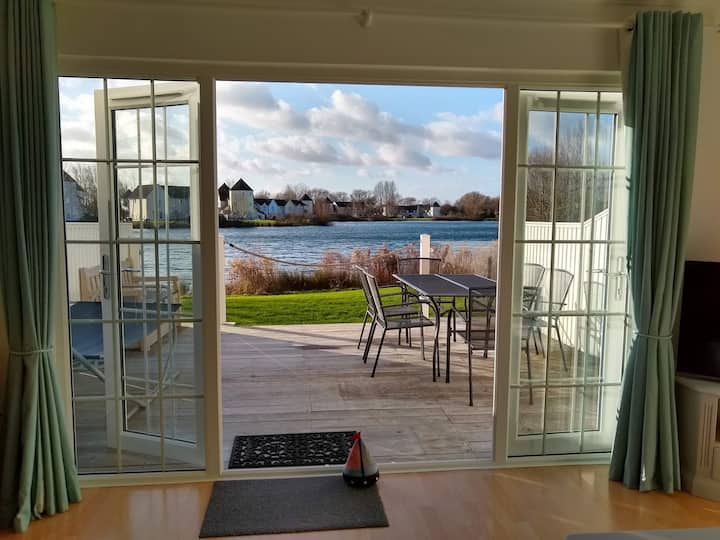 NEW for 2020 Cotswold Water Park lakeside lodge