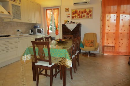 Rent a nice room in apt in Brescia