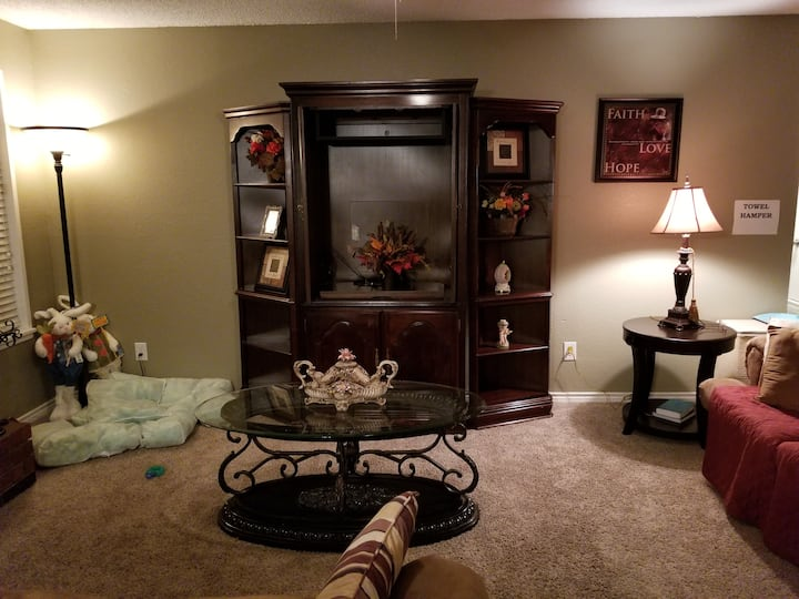 Charming comfortable home away from home Unit #B
