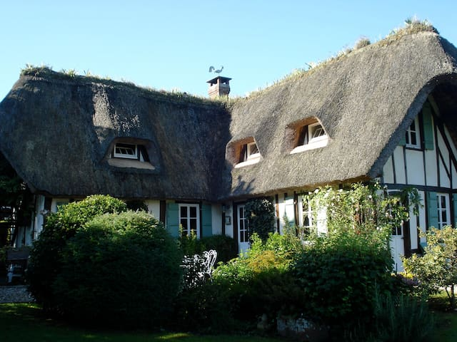 Thatched Cottage on the Seine - Vieux-Port - Hus