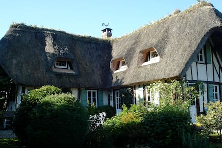 Thatched Cottage on the Seine - Vieux-Port - Huis