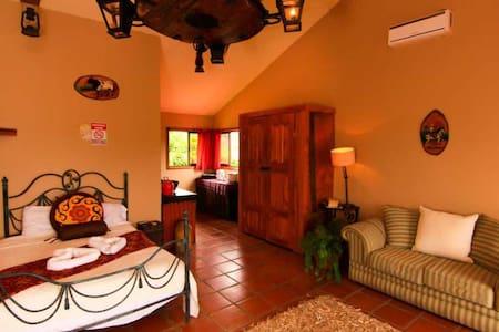 Costa Rican Wild West/Fortuna - Nuevo Arenal - Villa