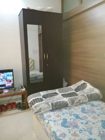 Luxurious Mumbai Apartment Room
