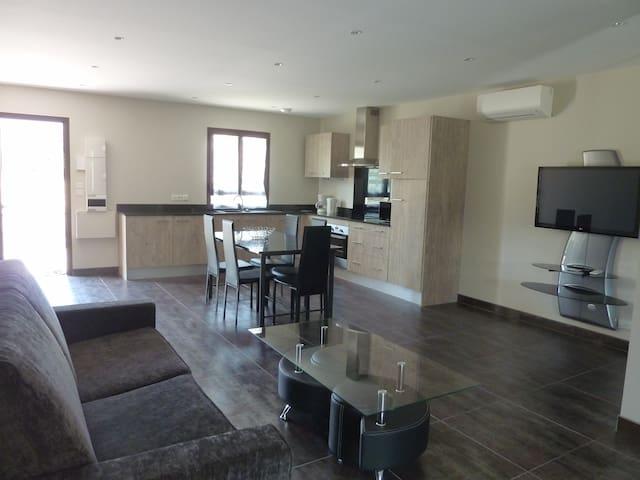 appartement 70M2 grand confort - Prades - Apartemen